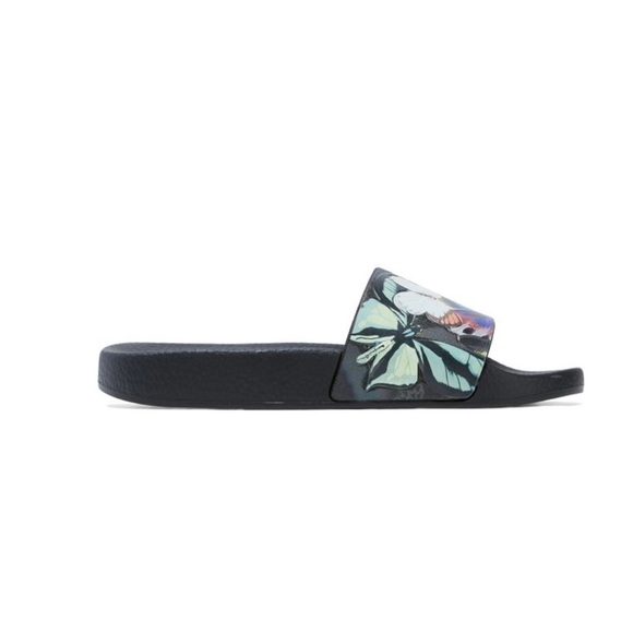 Valentino Woman Embossed Printed Rubber Slides Size 35 2FIUM2k